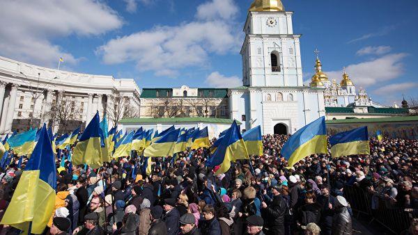 Перспективы для эрзац-демократии. Кто будет платить за украинский банкет